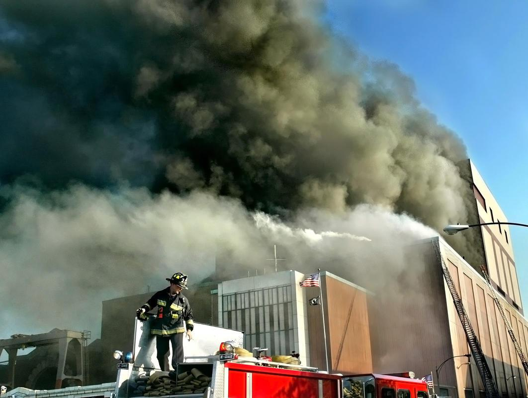 Photo credit: Mark Garfinkel, http://www.bostonherald.com/news_opinion/columnists/peter_gelzinis/2014/11/gelzinis_firefighters_blame_illnesses_cancer_on_blaze