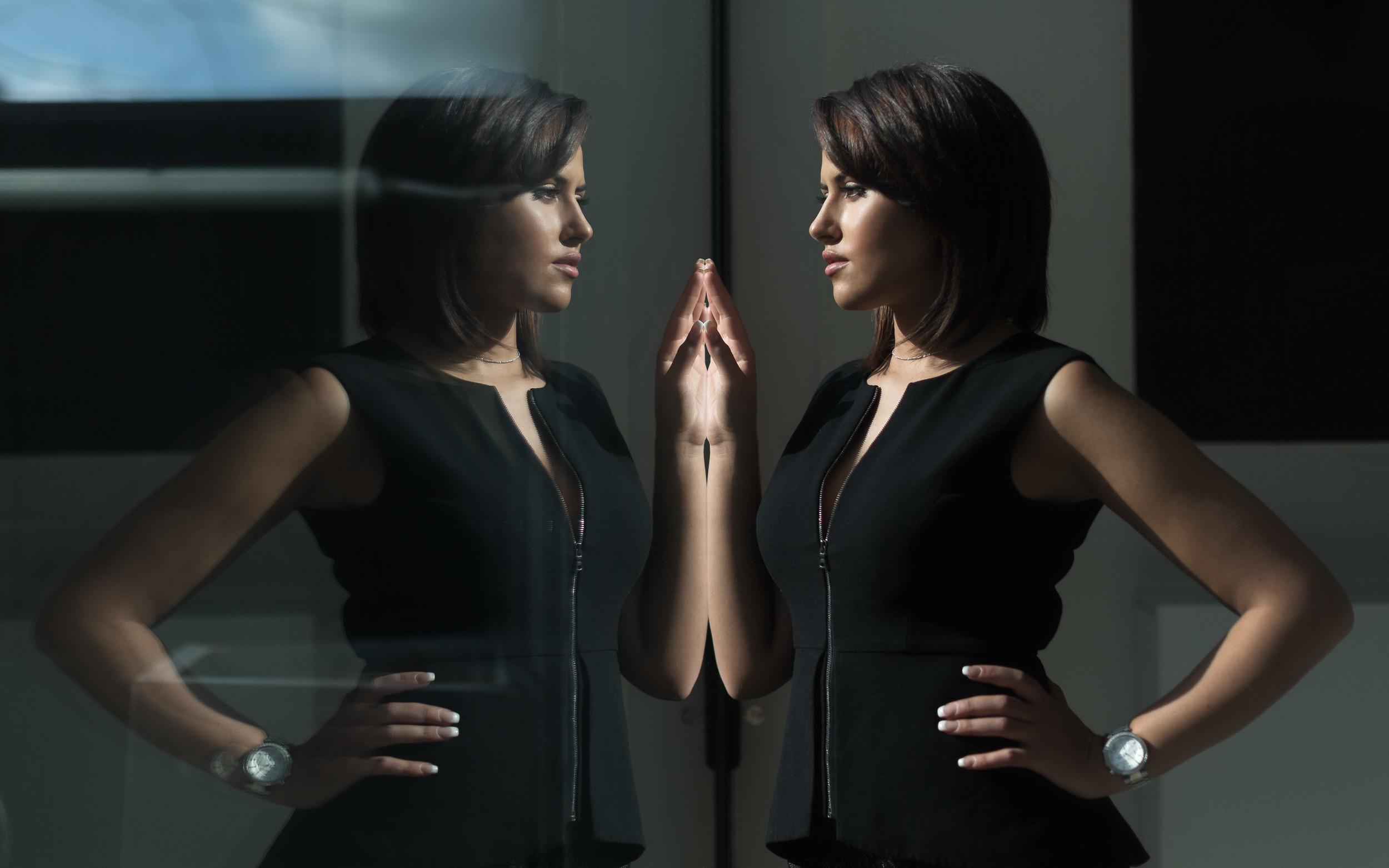 portrait-femme-reflet.jpg