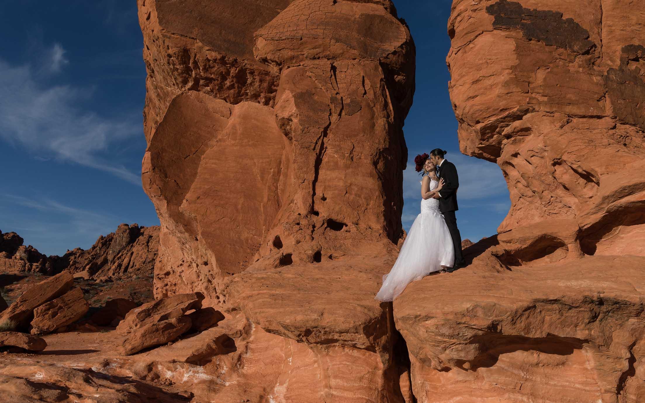 couple-bisou-mariage.jpg