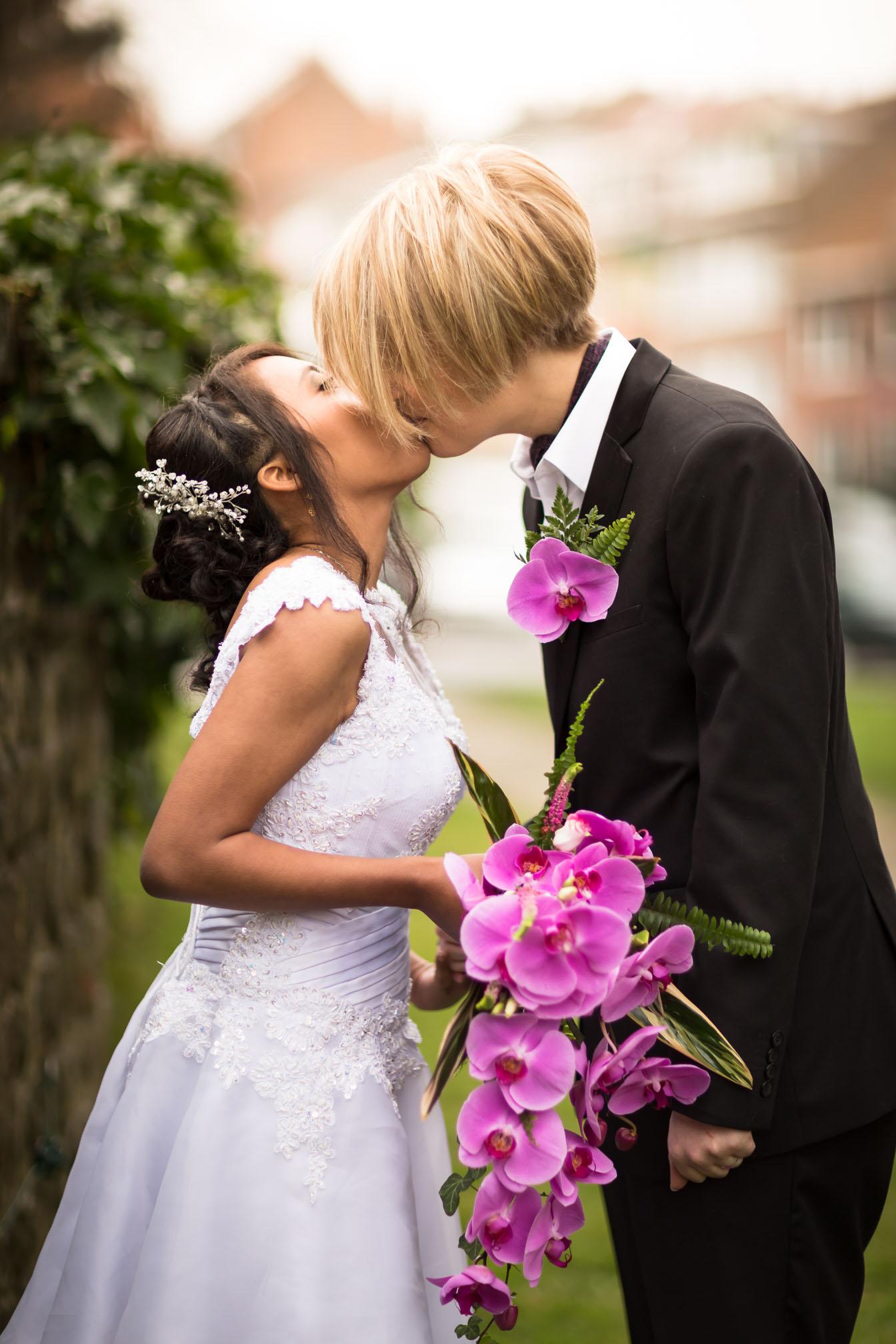 mariage-bisou.jpg