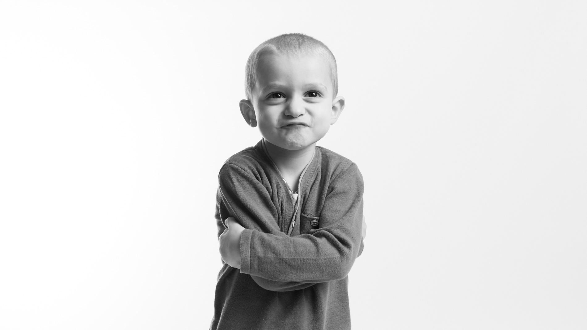 seance-photo-enfant-noir-et-blanc.jpg