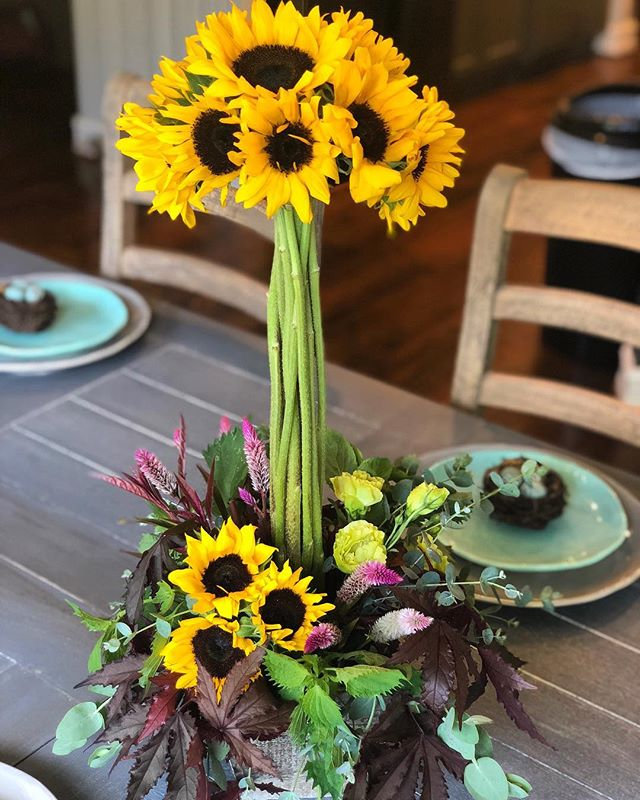 Thanksgiving is less than 2 weeks away! Let us create the perfect arrangements for your holiday... whether you want potted arrangements or cut flowers, we have you covered! Come see us. . . . . #southcarolina #yeahthatgreenville #onlyonaugusta #greenvillesc
