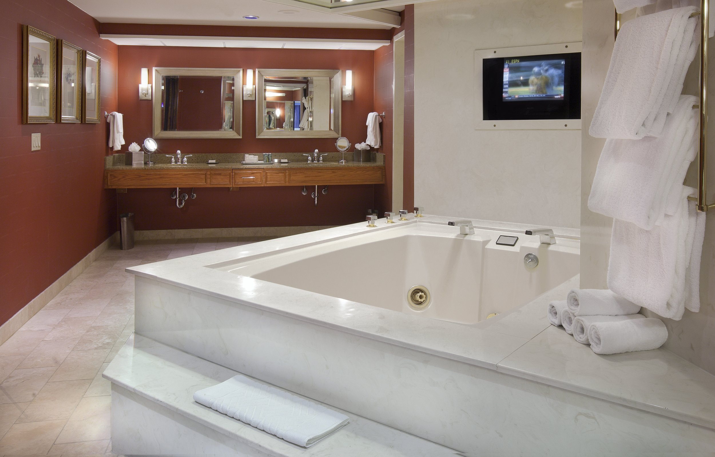 Presidential Suite Bathroom.JPG