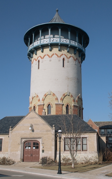 Riverside Water Tower (1870), photo by Ben Rogerson