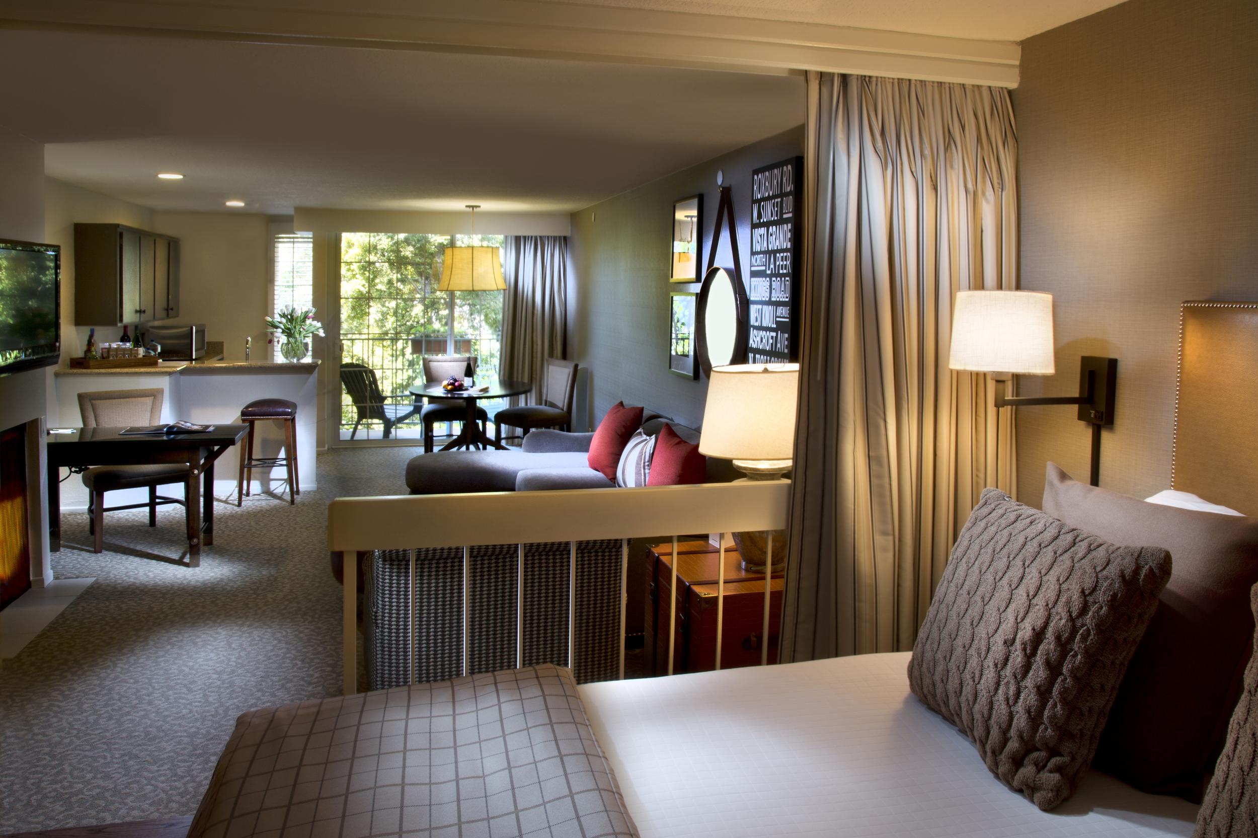 8/Le Parc Suite Hotel