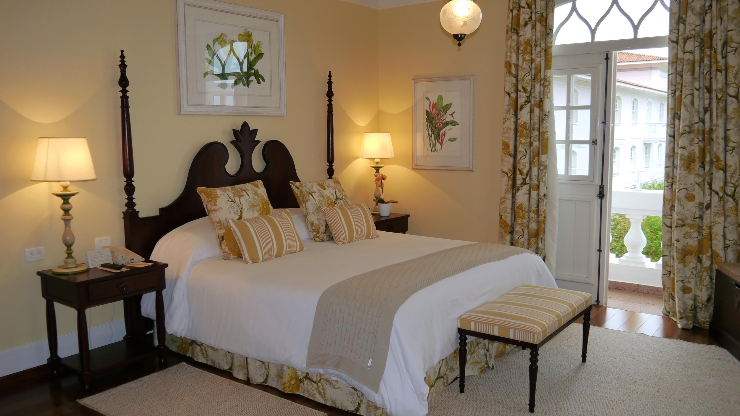 (27) The master bedroom in the Cataratas Suite has two private balconies overlooking Iguaçu Falls..JPG