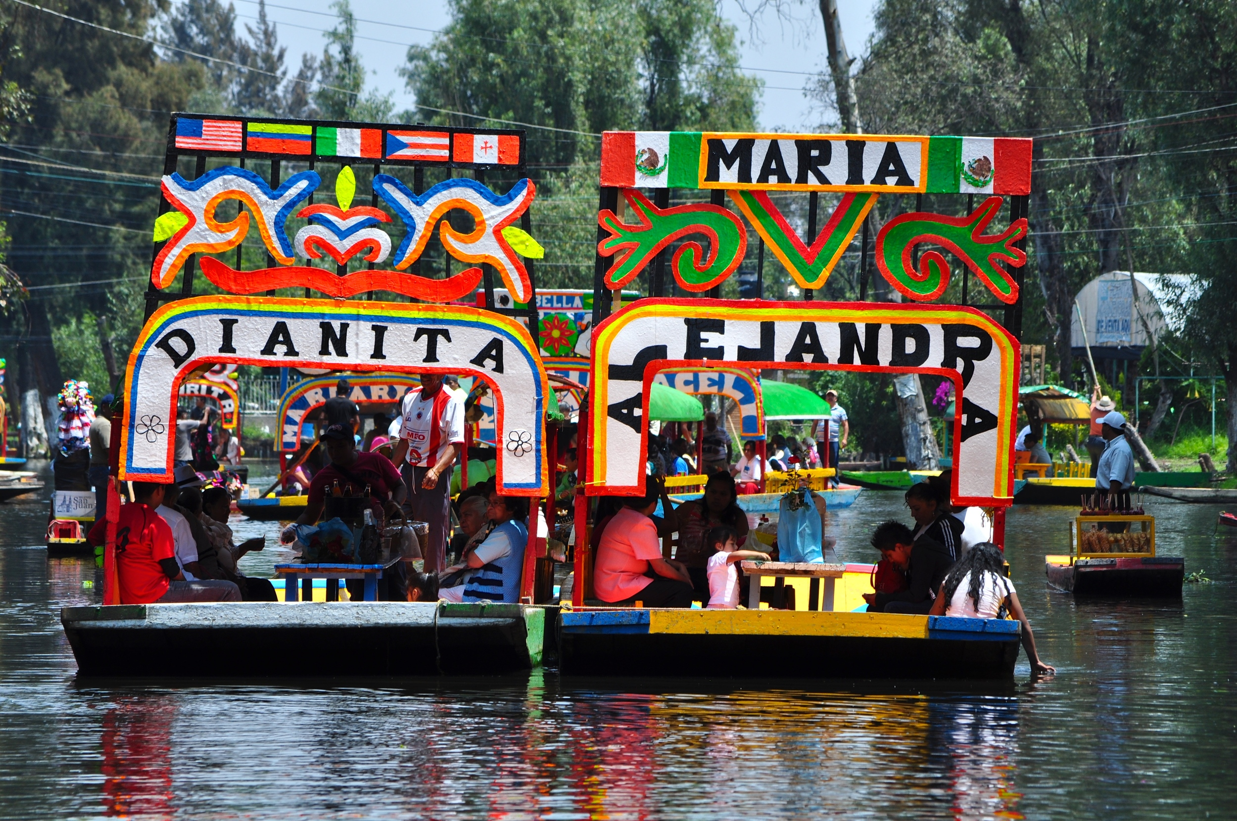 10/Fiestas on the water