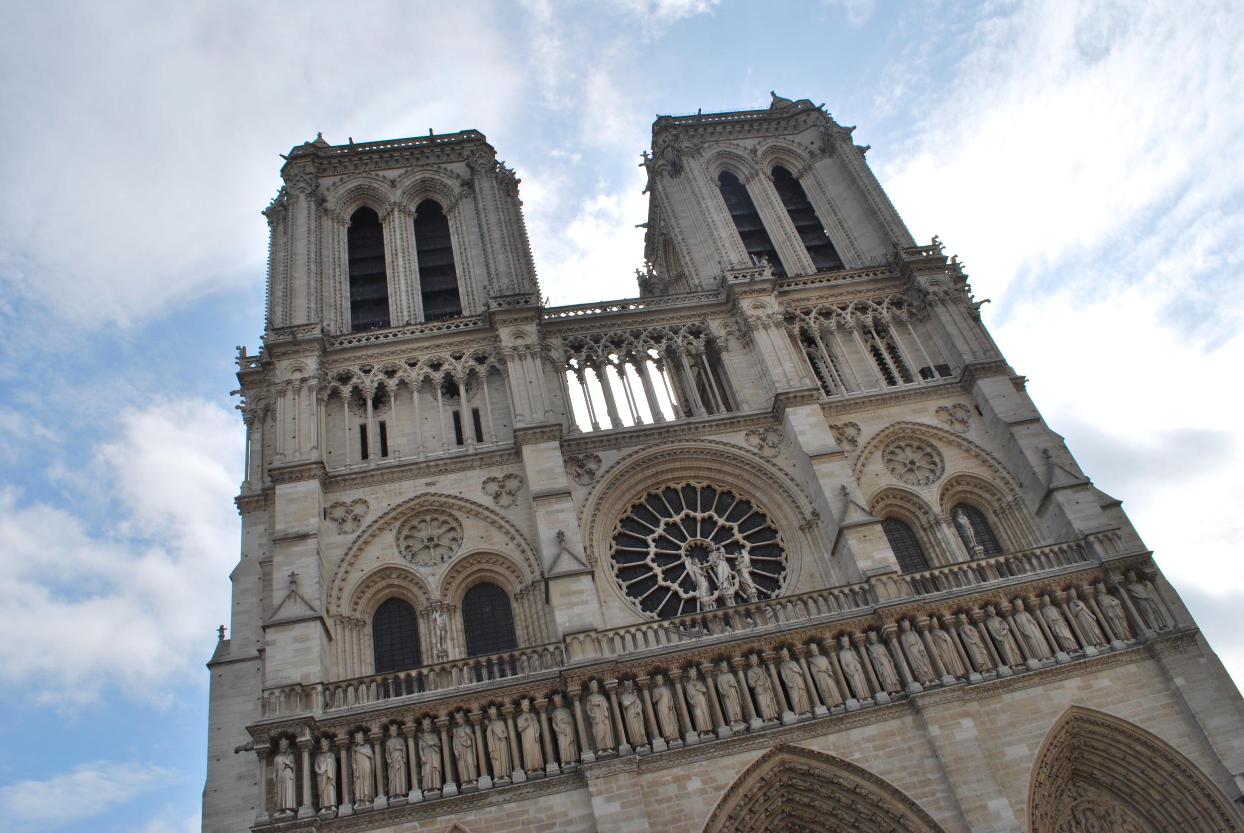 6/Hang out with gargoyles at Cathédral Notre Dame de Paris