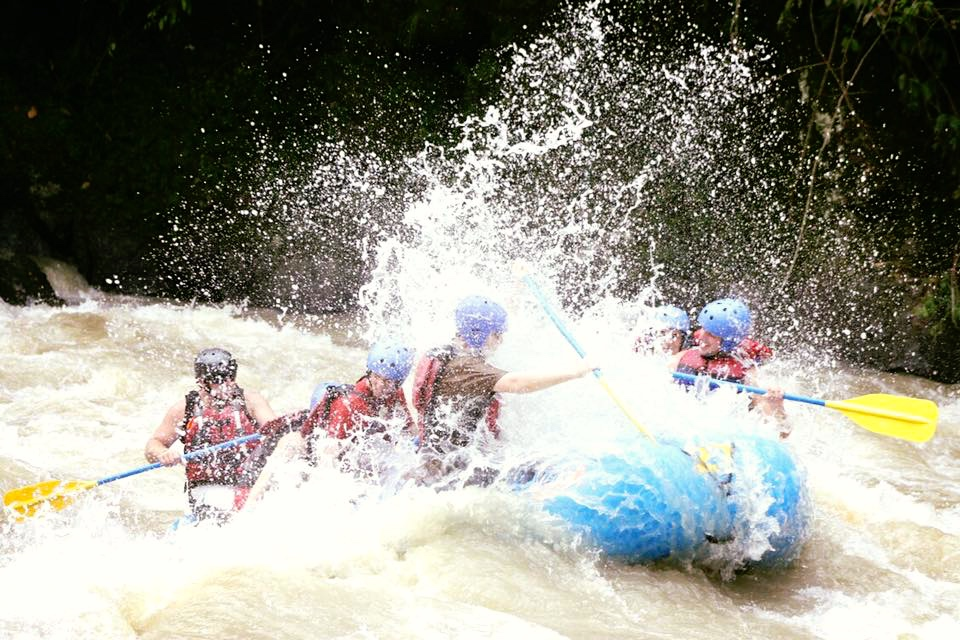 2/Go white water rafting
