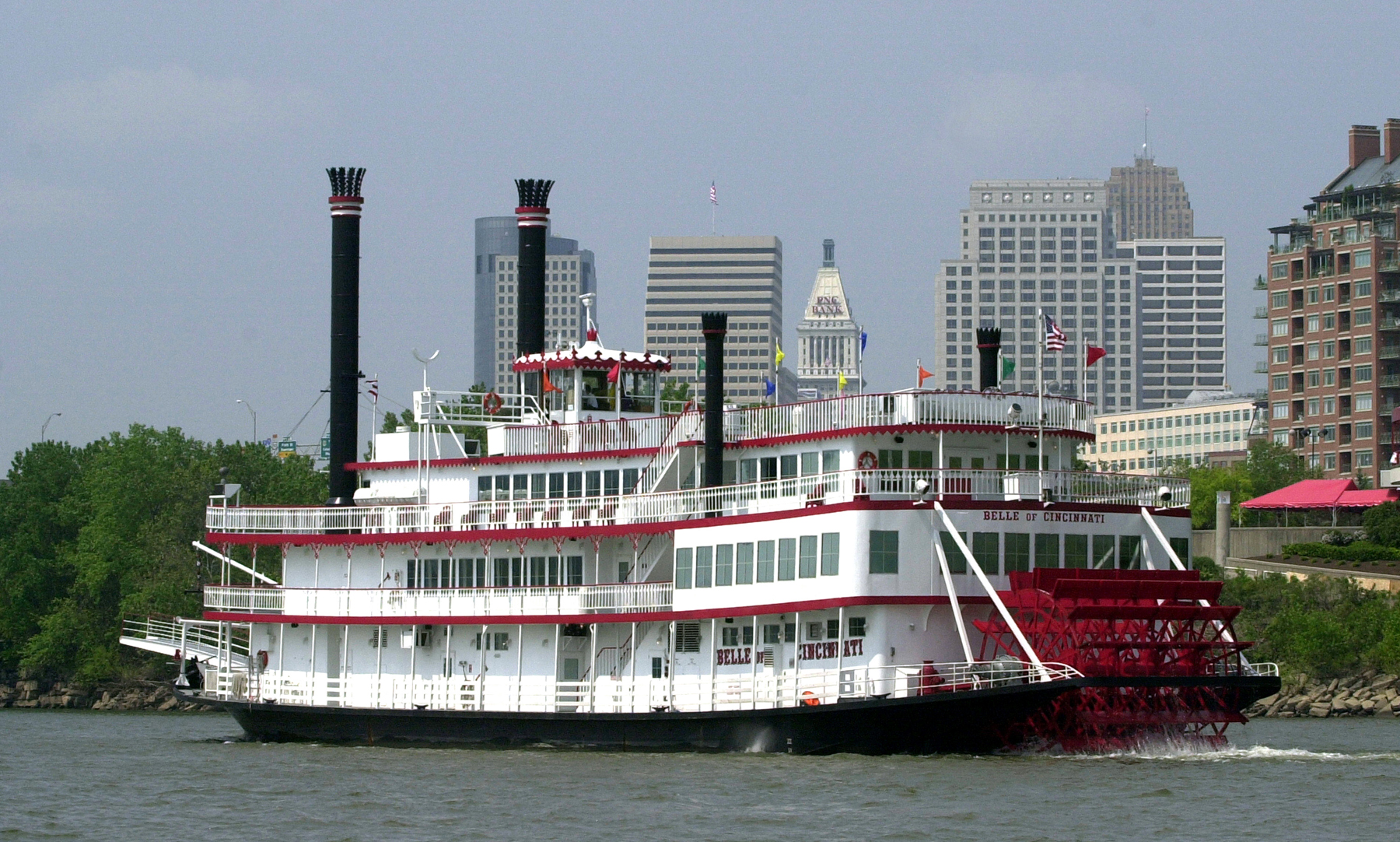 3/Set sail on a riverboat
