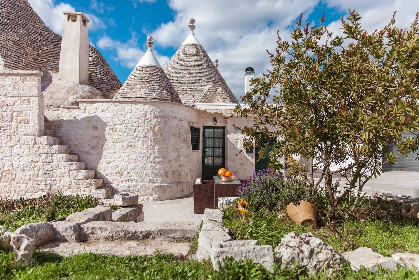 2/Little stone castle in Italy