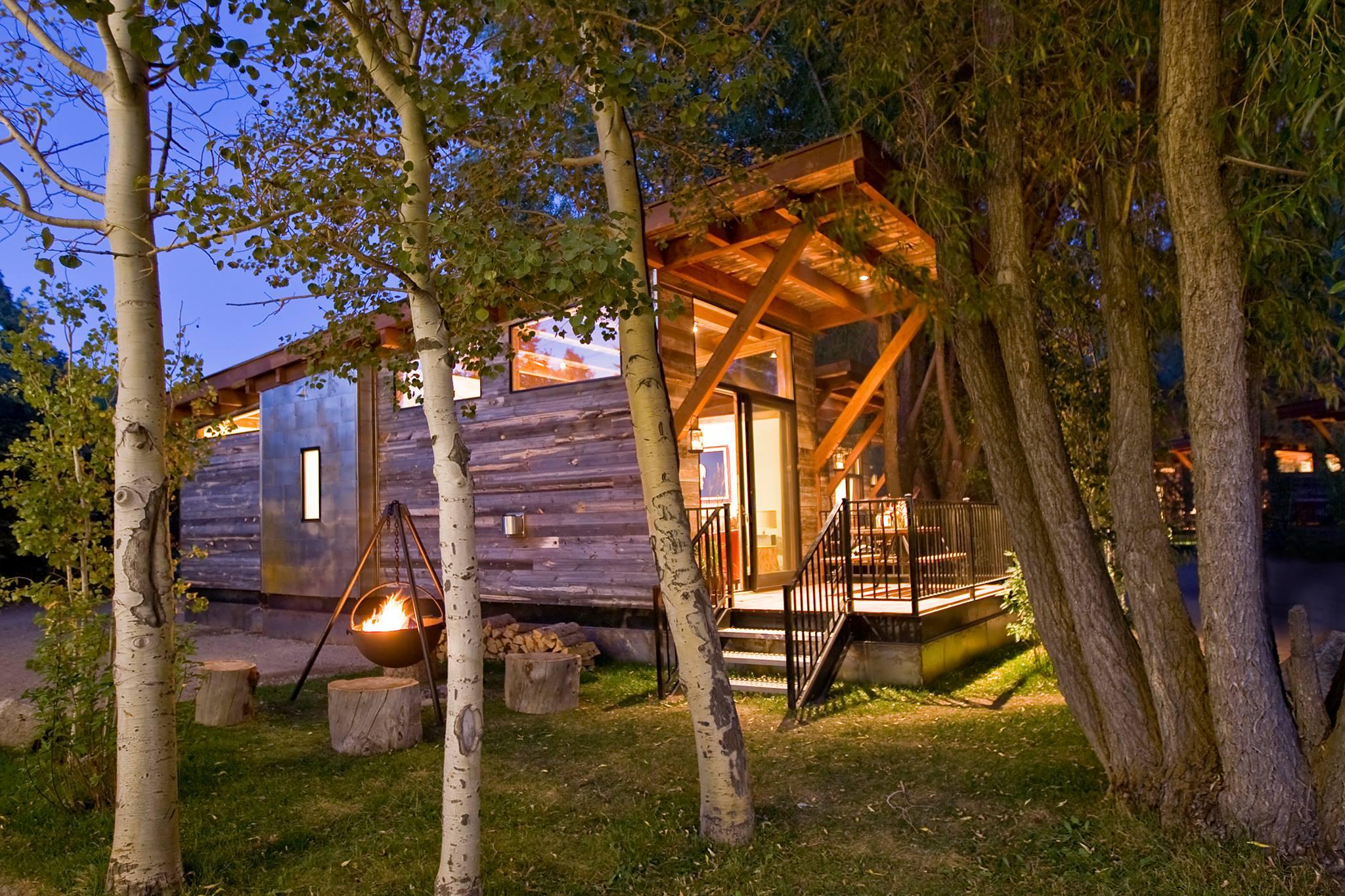 5/Fireside Resort