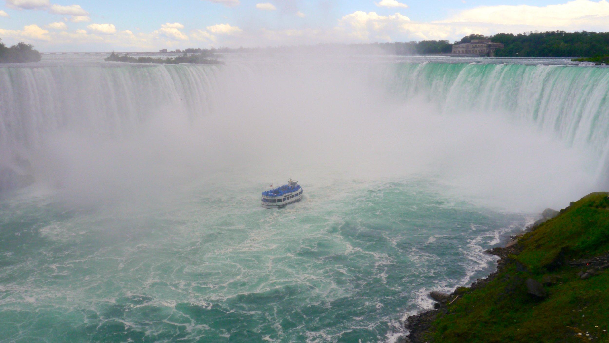 1/Hornblower Niagara Cruises vs. Maid of the Mist