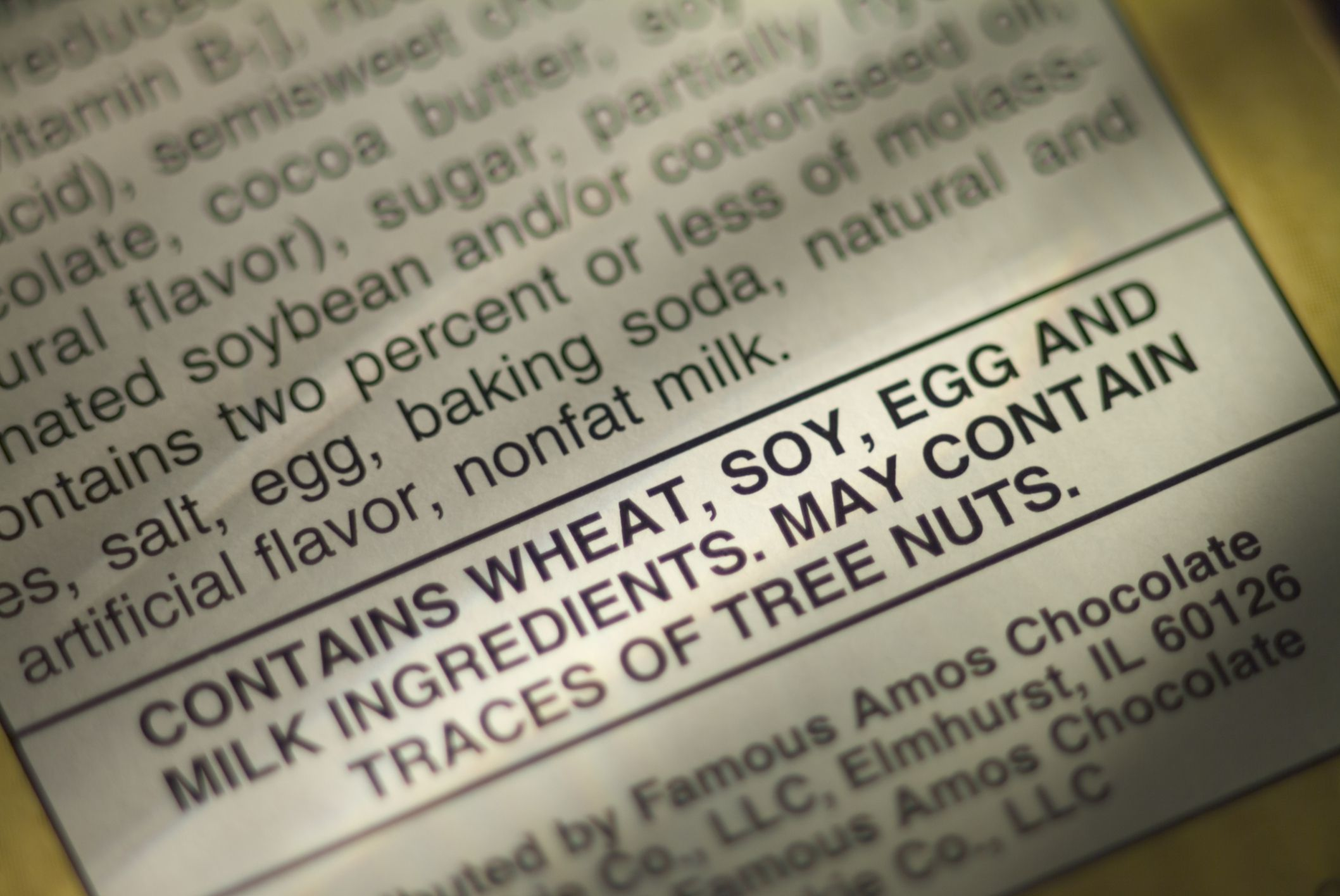 5/It's almost impossible to read food labels on board