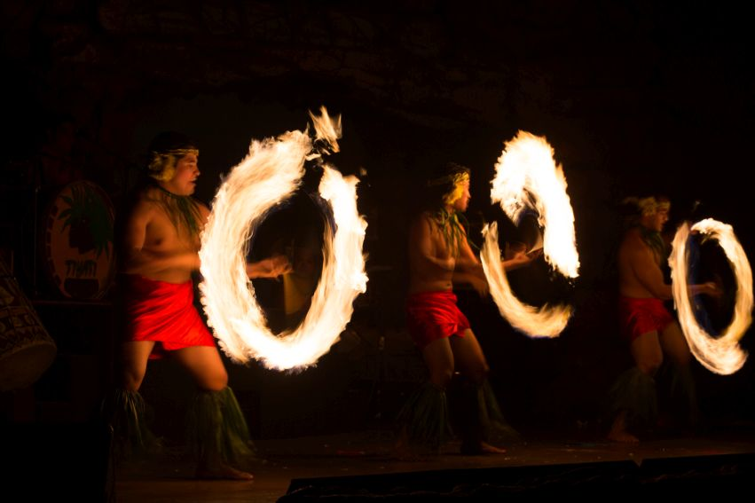 4/Be entertained by fire dancers