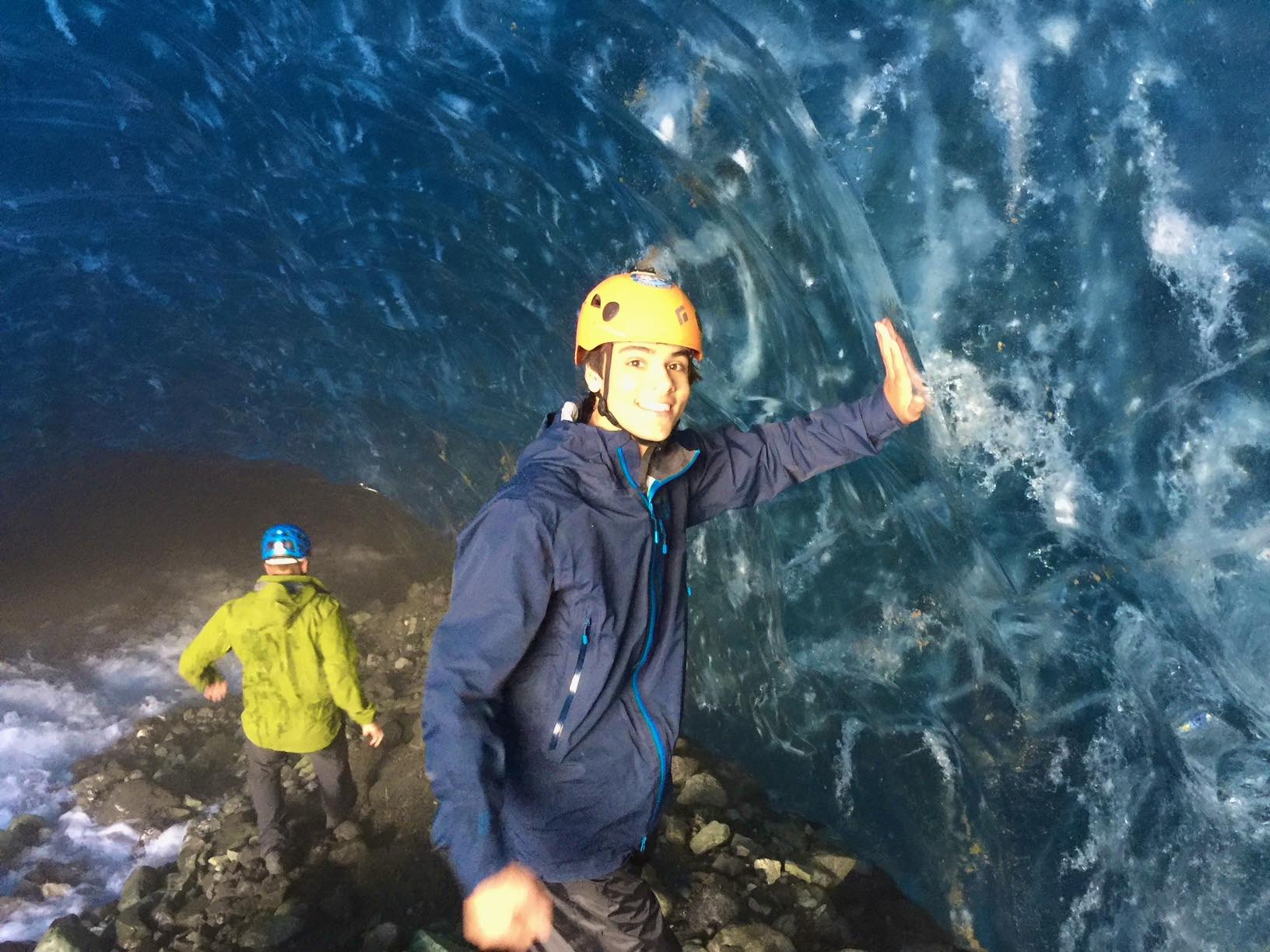 4/Explore an ice cave