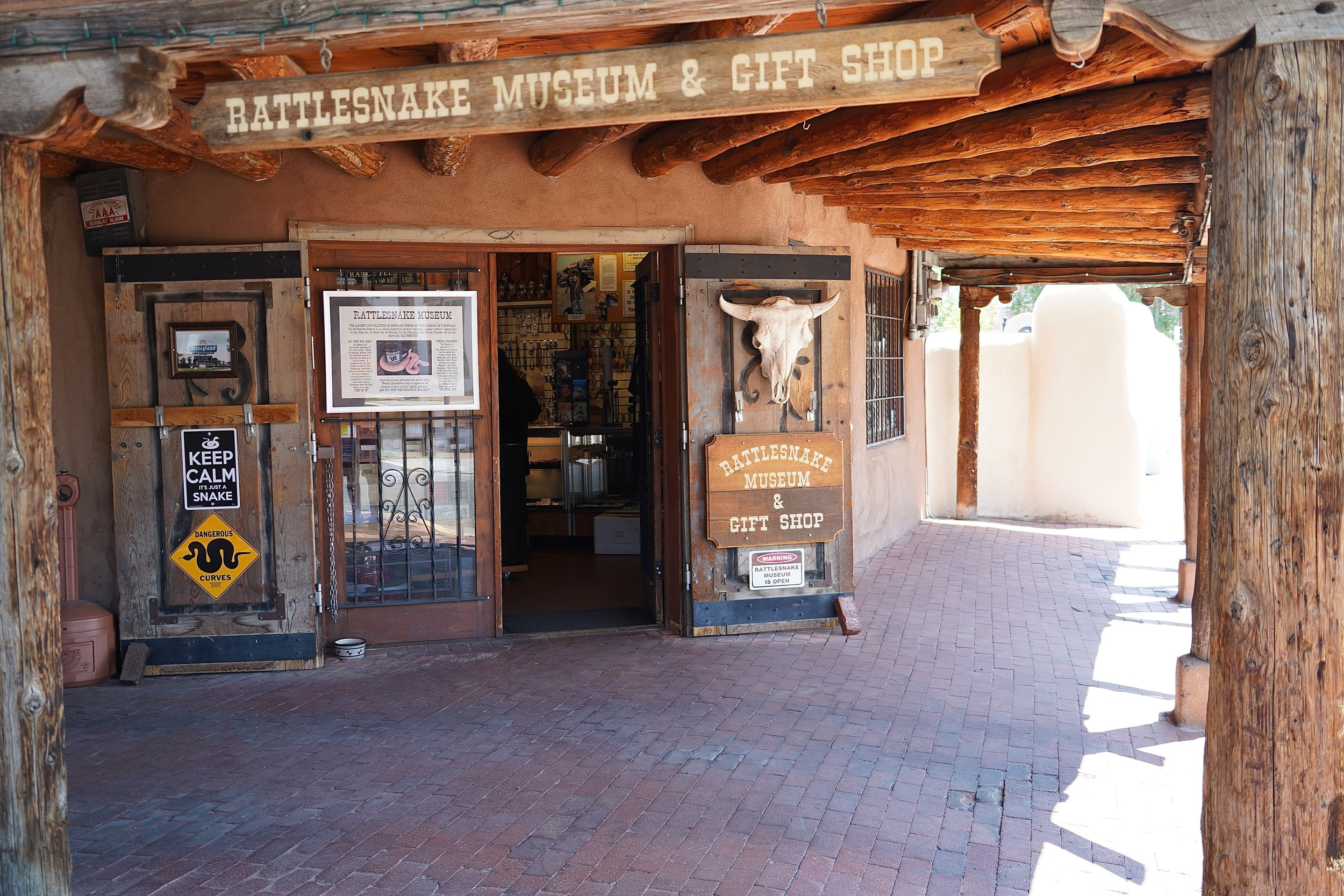 6/American International Rattlesnake Museum