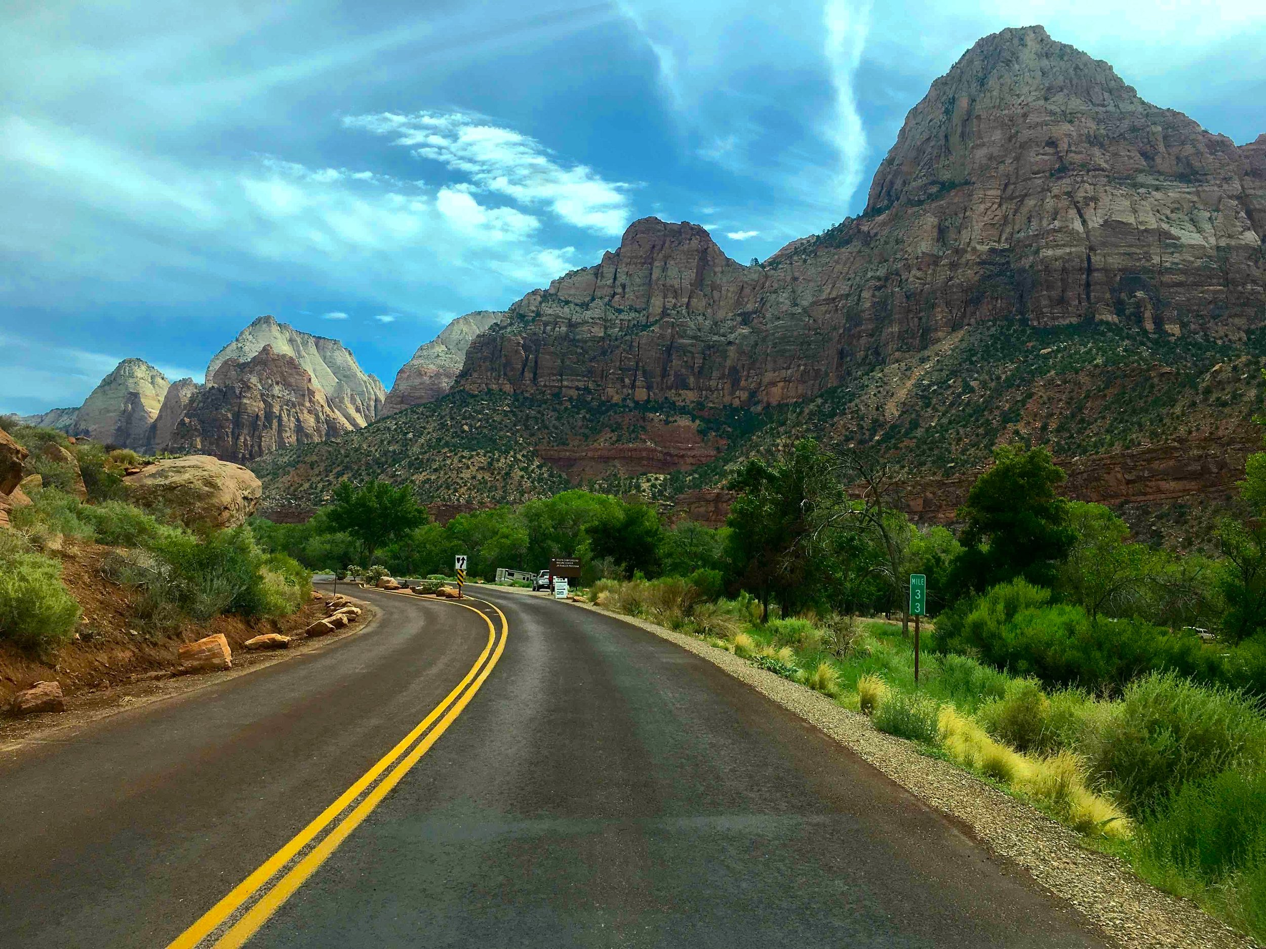 15:Road to Arches National Park.jpg