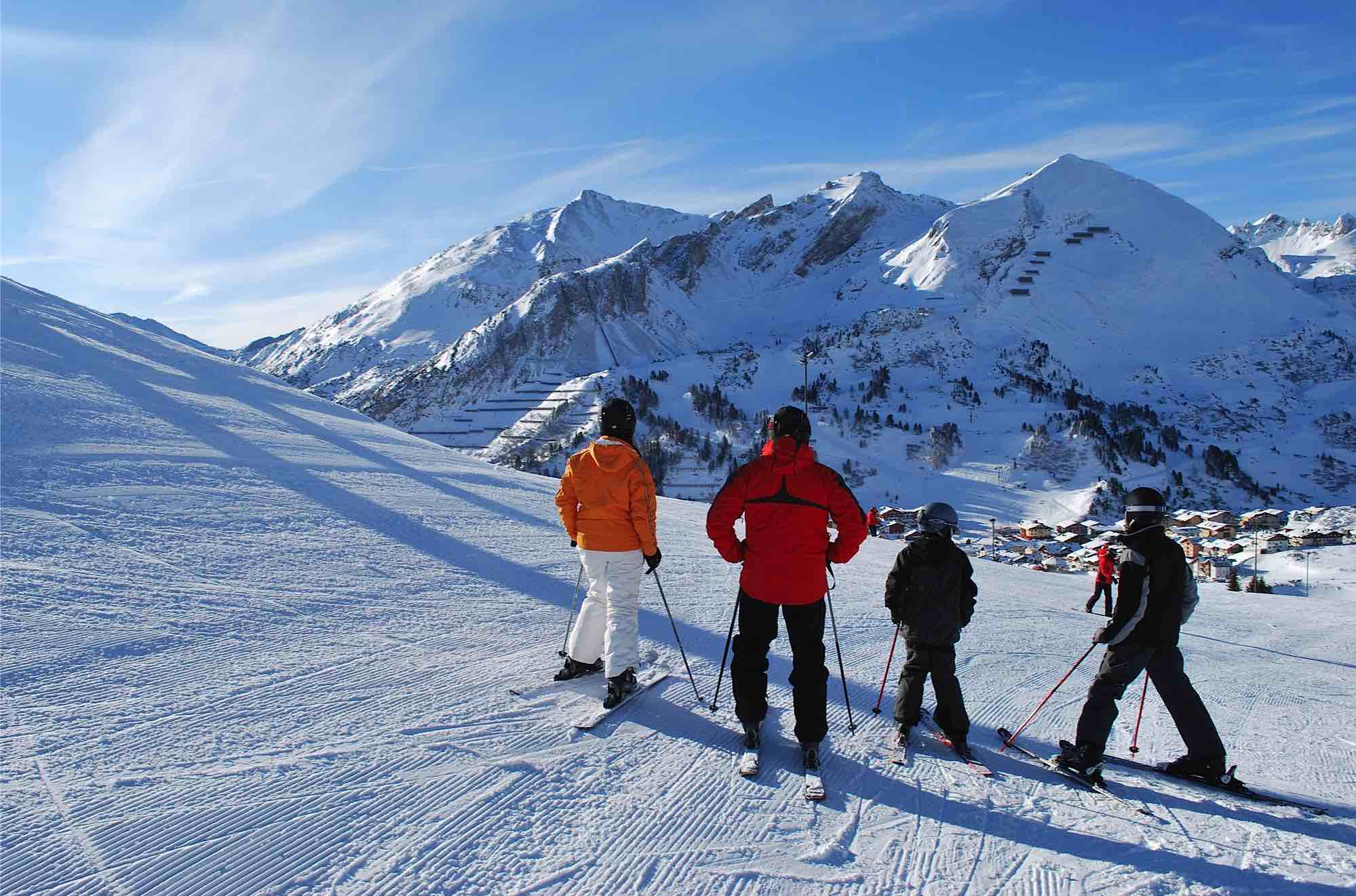 3/Skiing in the Alps