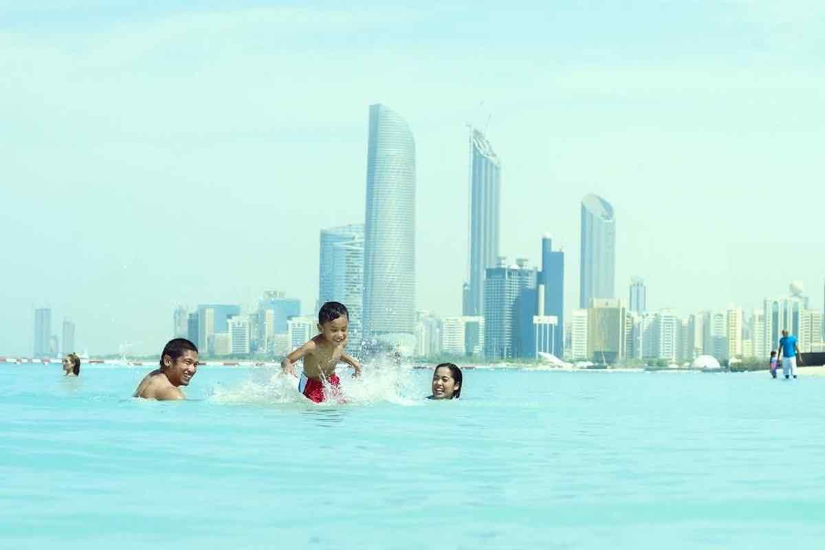 4/Corniche Beach