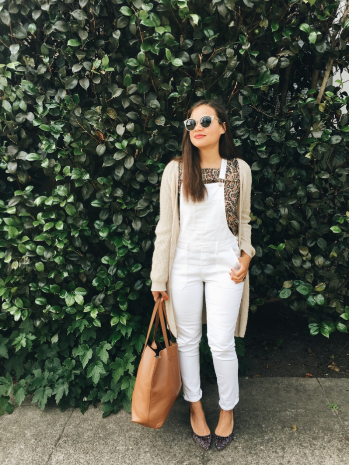 Blouse: thrifted, J Crew   Overalls: Old Navy   Tote:  Cuyana    Shoes:  Banana Republic    Sunglasses: thrifted