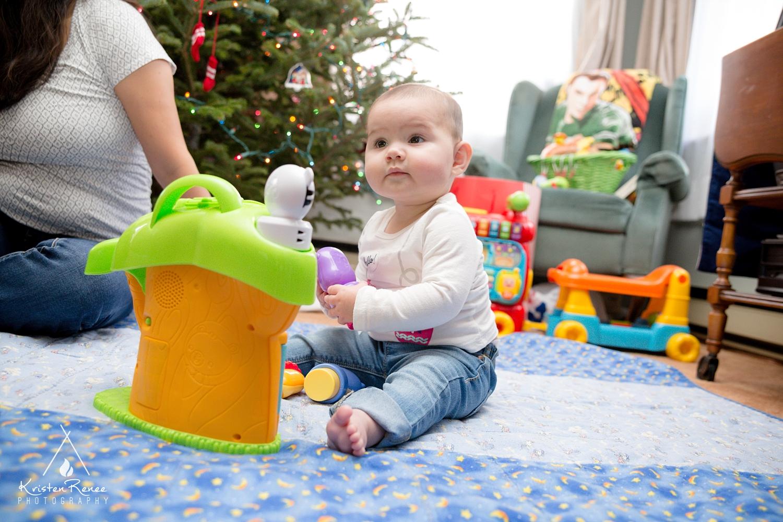 Armstrong Christmas - Kristen Renee Photography_0008.jpg