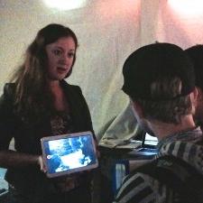 Explaining my experiment to aquarium guests. Credit: Birch Aquarium at Scripps.