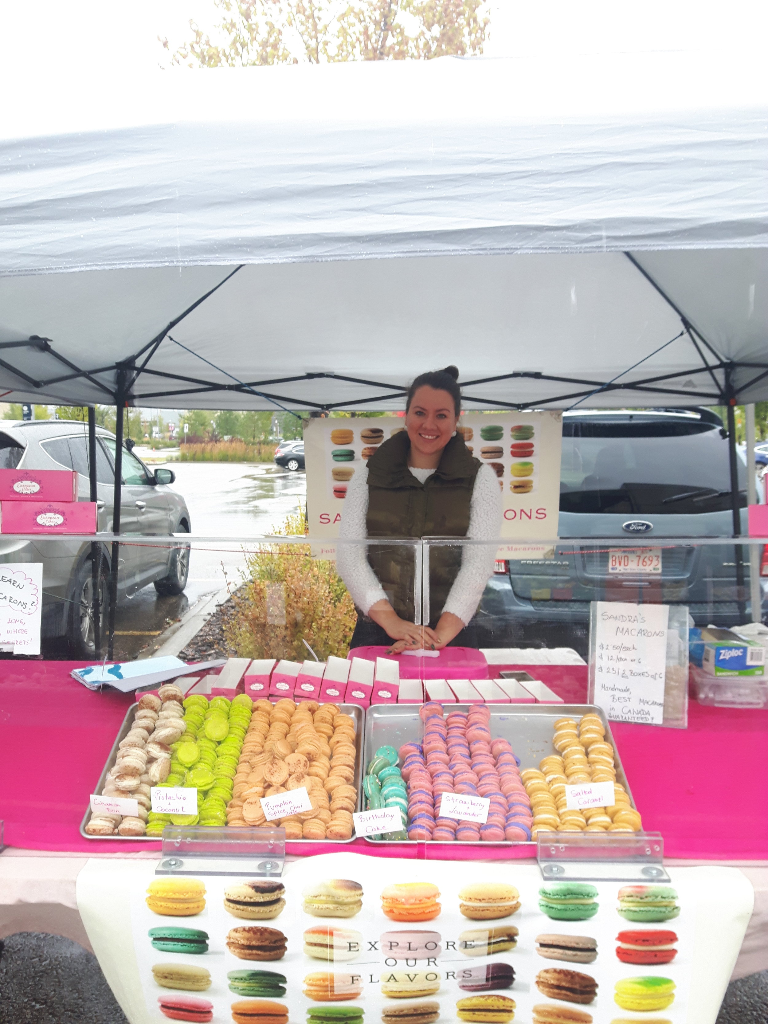 Sandra, from Sandra's Macarons braved the cold last market to bring us her cheerful and delicous macarons! She will be running macaron-making workshops in the future; let her know if you are interested!