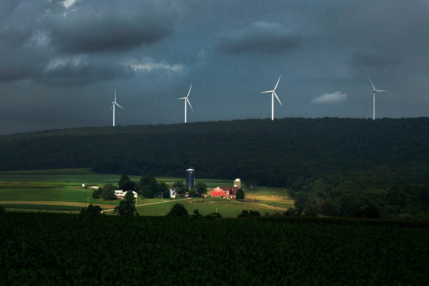 Wind turbines near Berlin, PA. Wind turbines do not produce any known air pollutants. © Brian Cohen, 2014.
