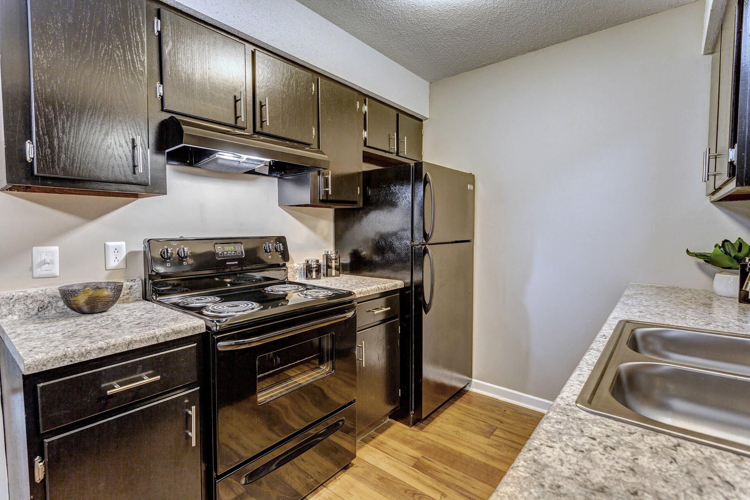 Kitchen 4 - small.jpg