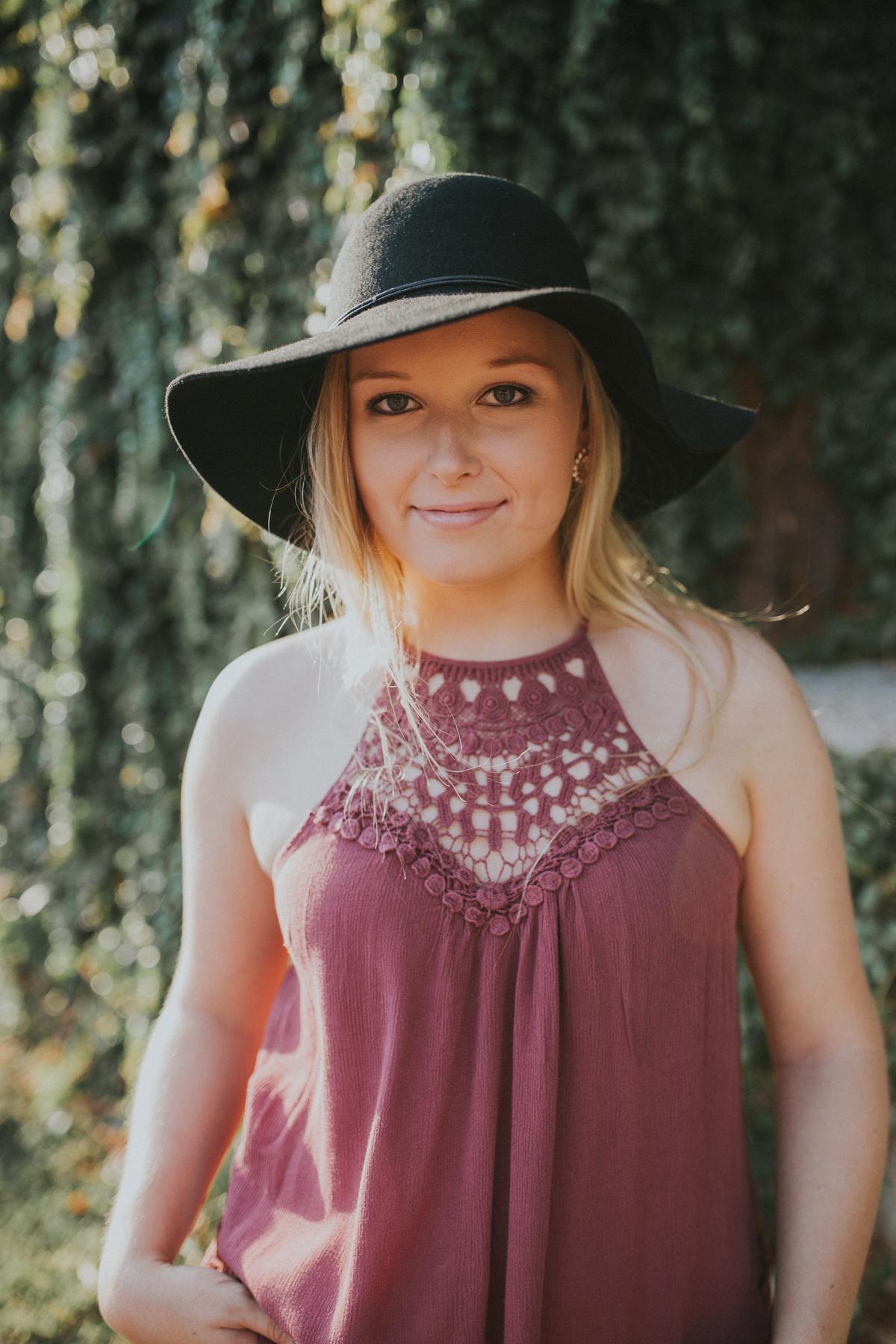 Allie Merrell Senior '17-0593.jpg