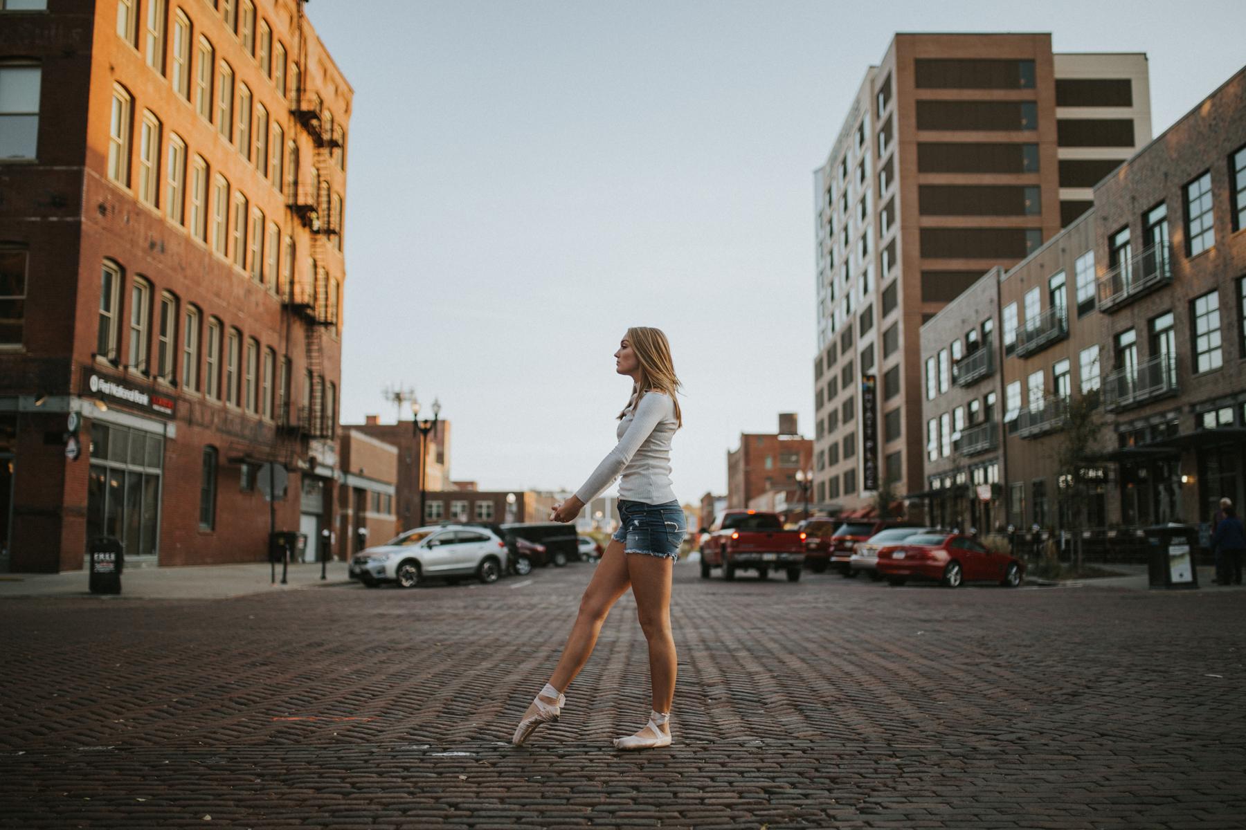 Ellie Downtown-0020.jpg