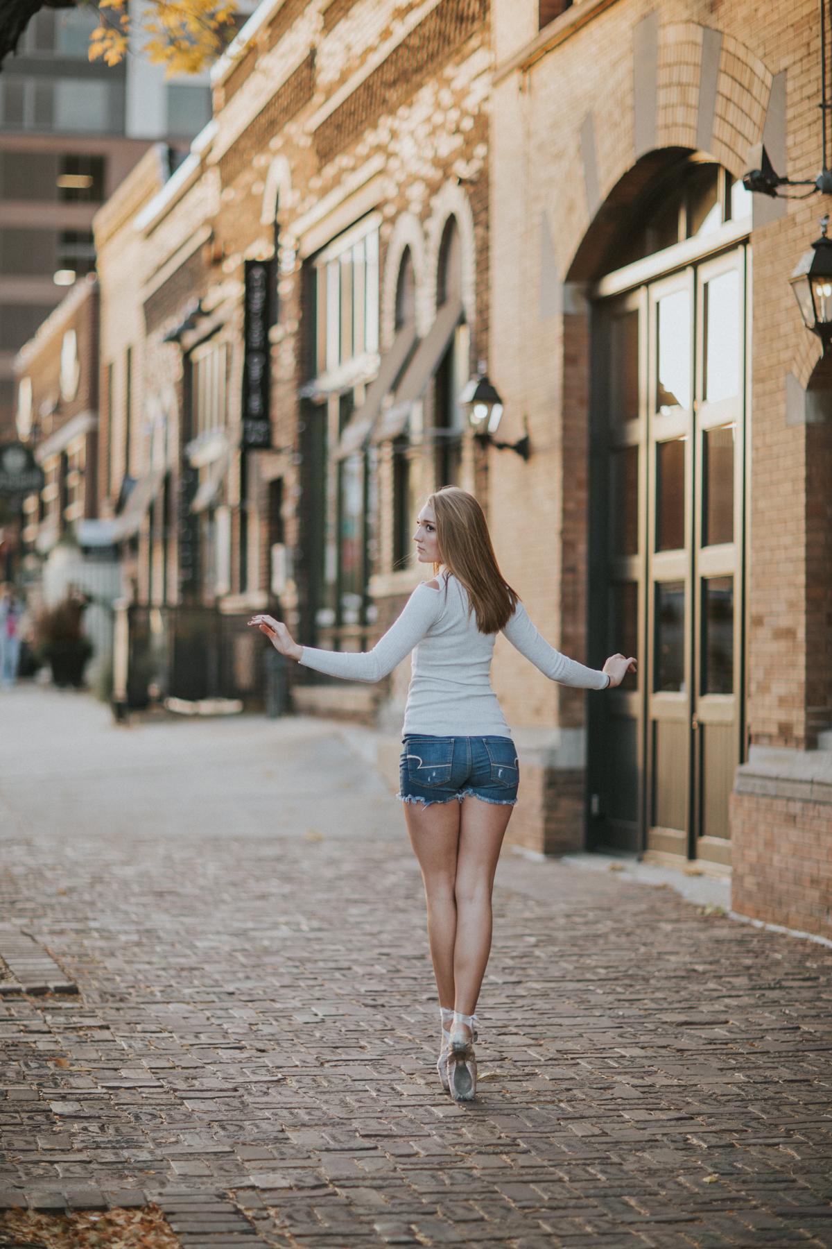 Ellie Downtown-0063.jpg