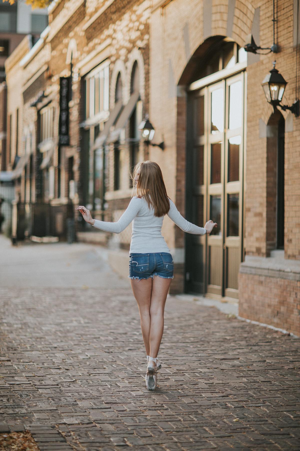 Ellie Downtown-0067.jpg