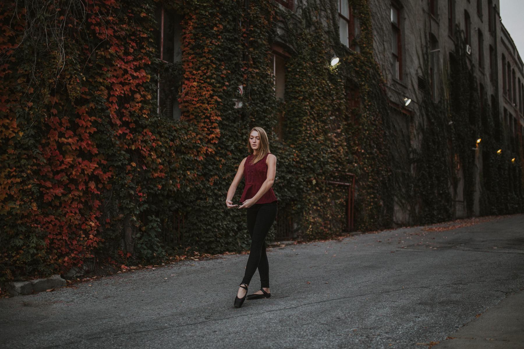 Ellie Downtown-0200.jpg