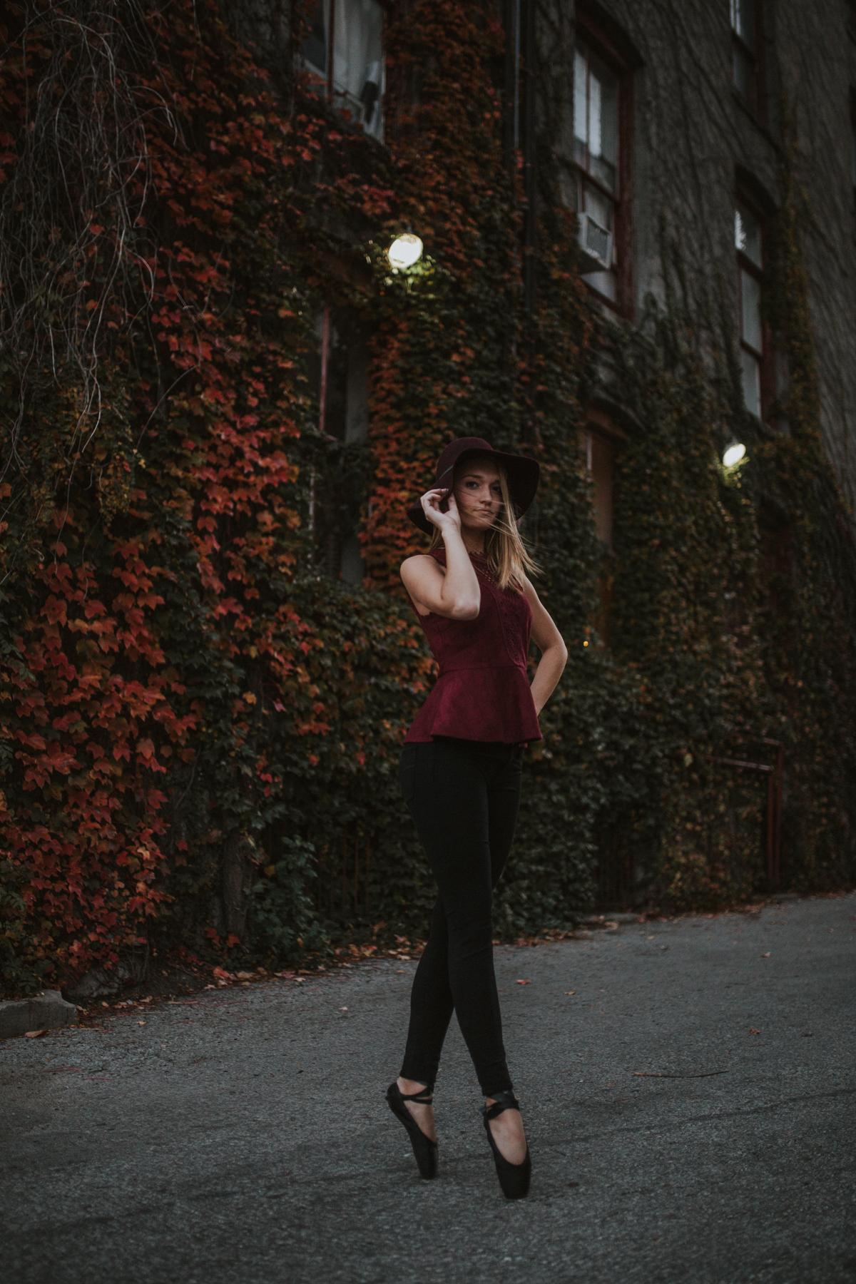 Ellie Downtown-0254.jpg