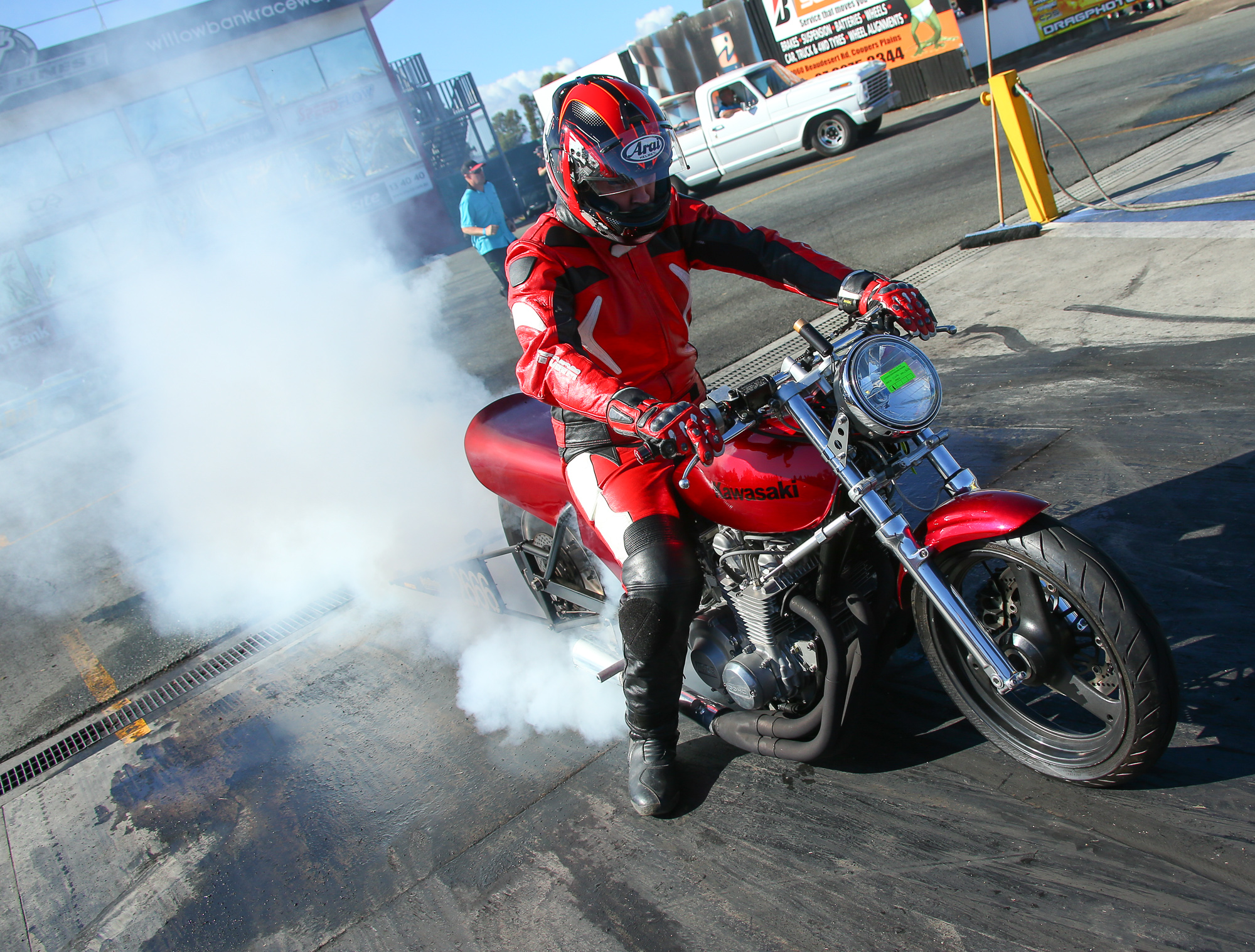 Fans can enjoy the sights and sounds of yesteryear on both four and two wheels (credit-dragphotos.com.au)