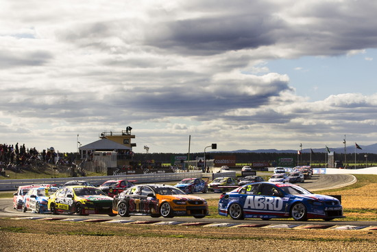 Andre Heimgartner in action at Symmons Plains (credit-Dirk Klynsmith Photography)