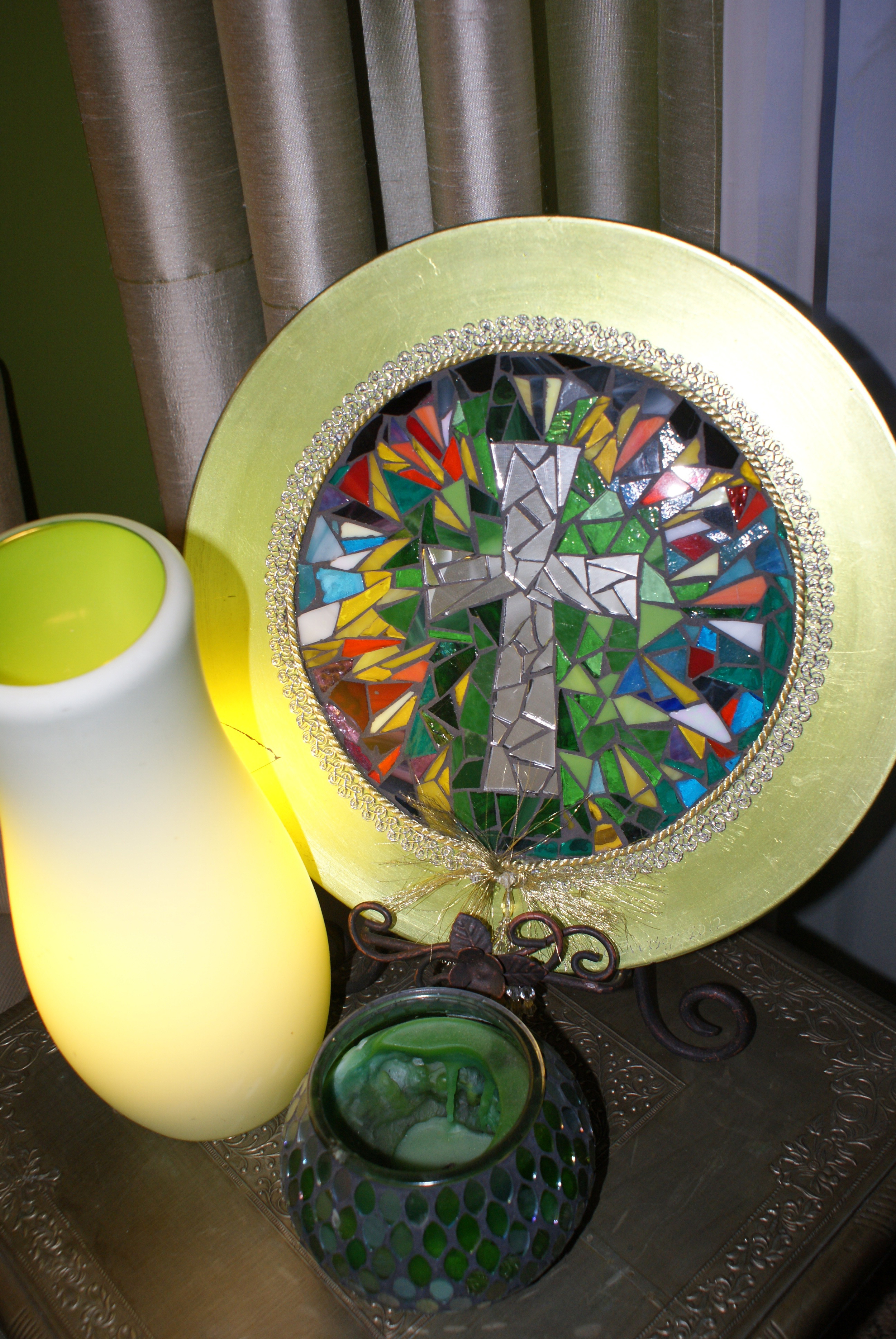 Mosaic Cross Charger Plate
