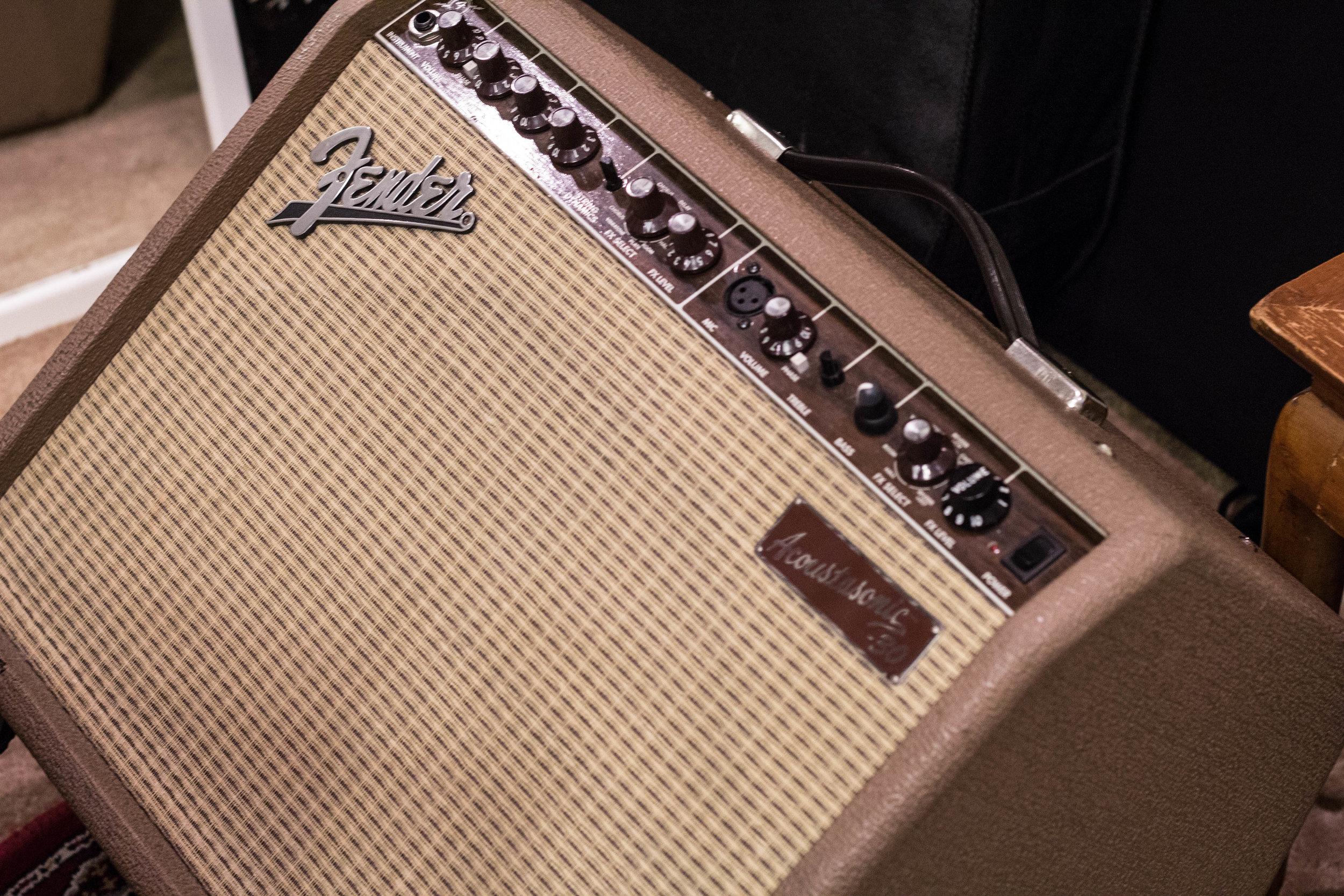 AMP -  Fender Acoustasonic 30  Fender Acoustasonic 30 Fender Acoustasonic 30