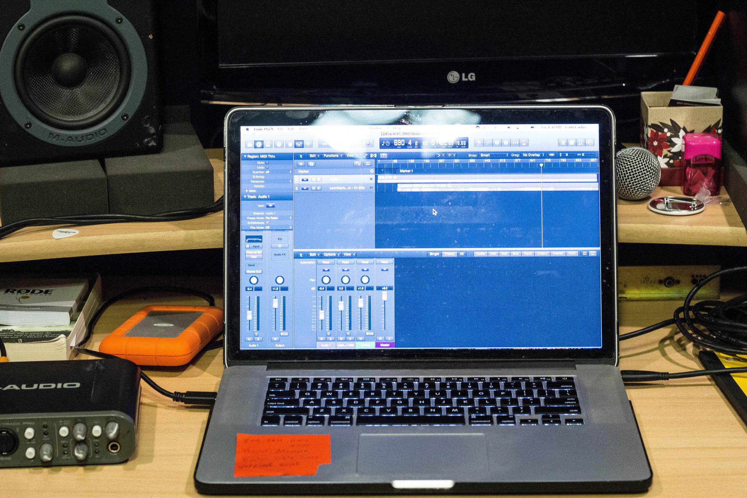 AUDIO INTERFACE -  M-Audio Fasttrack Pro 2   Software - Logic Pro
