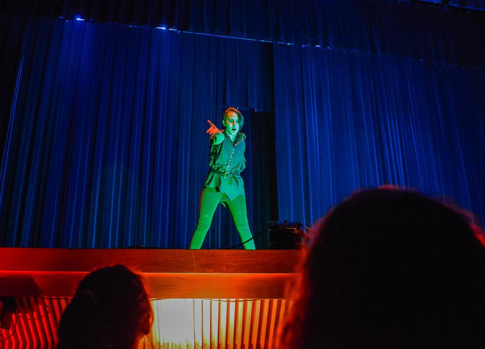 Justin Beaver, Local Denton entertaine