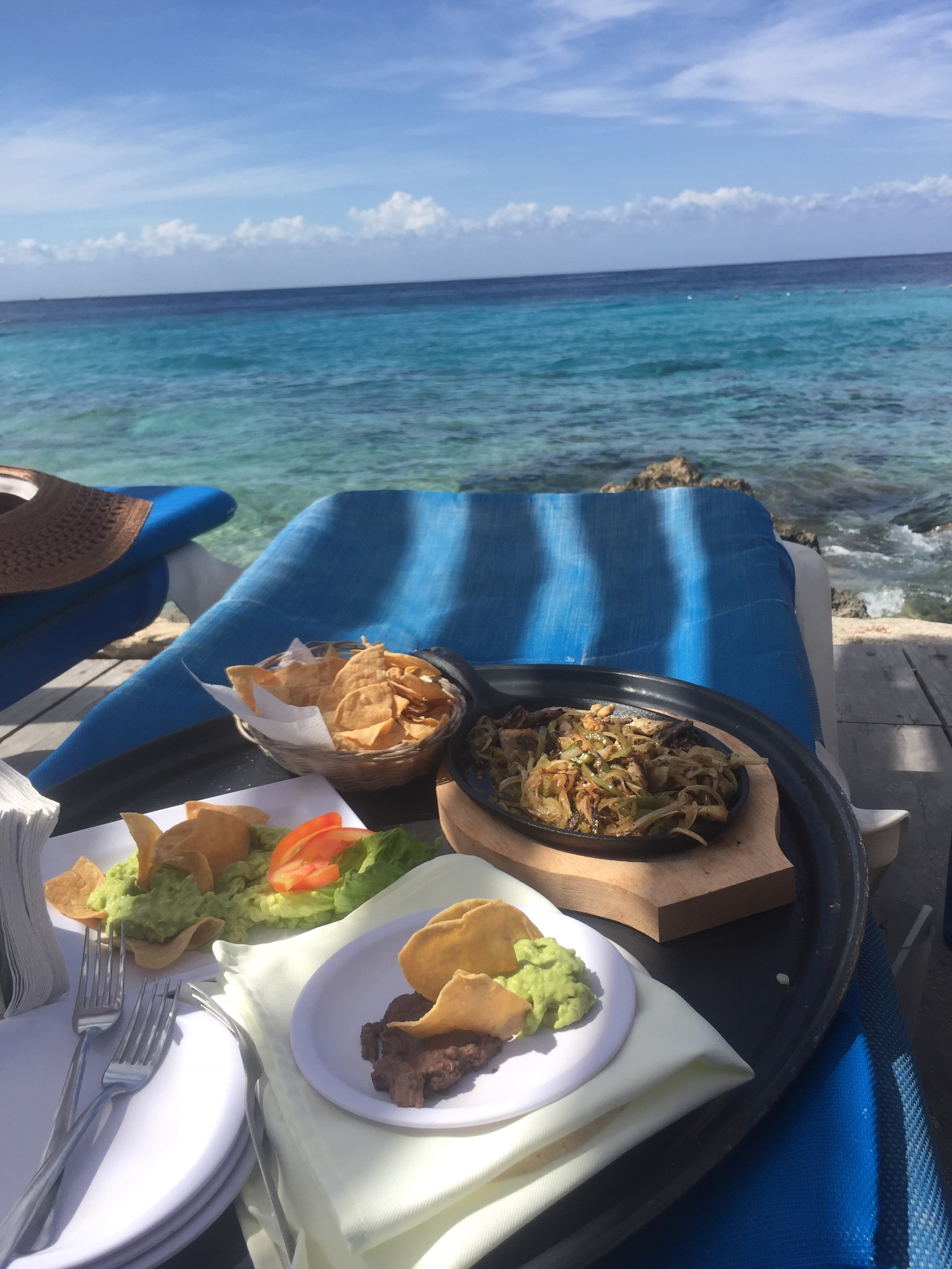 Look at that food with that blue water! Yum!