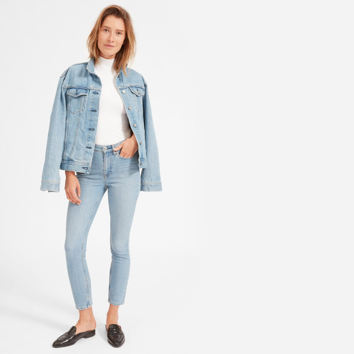Chandler: Everlane High Rise Skinny Jeans.  CLICK THE PIC  to check it out!