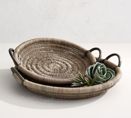 round-woven-tray-with-handles-2-c.jpg