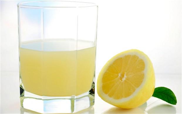 Lemon and lemon and juice. Photo cred: http://www.telegraph.co.uk/news/health/news/10946236/Drink-lemon-juice-eat-dark-chocolate-and-reduce-your-sugar-intake.html.