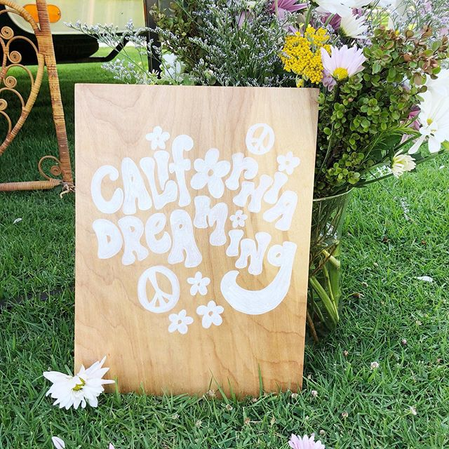When I get asked to do anything ✌🏻🌼 & ❤️ inspired, my answer is always YES! Obsessed, is an understatement when I think about this birthday party @beijosevents planned. LOVED getting to create these cute signs and you best believe there will be more photos coming soon! Who's next for a high 5 hippie party?? #meghannminiellocreative #meghanndwriting #partydesign #handlettering #handpainted #partysigns #beijosevents #california #californiadreaming #californiavibes #highfive #kidabirthday #hippie #hippiestyle #hippieparty