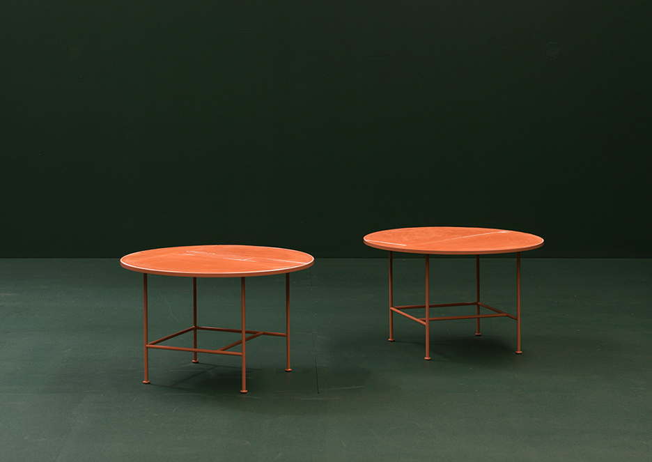 Anchor Table in Terracotta