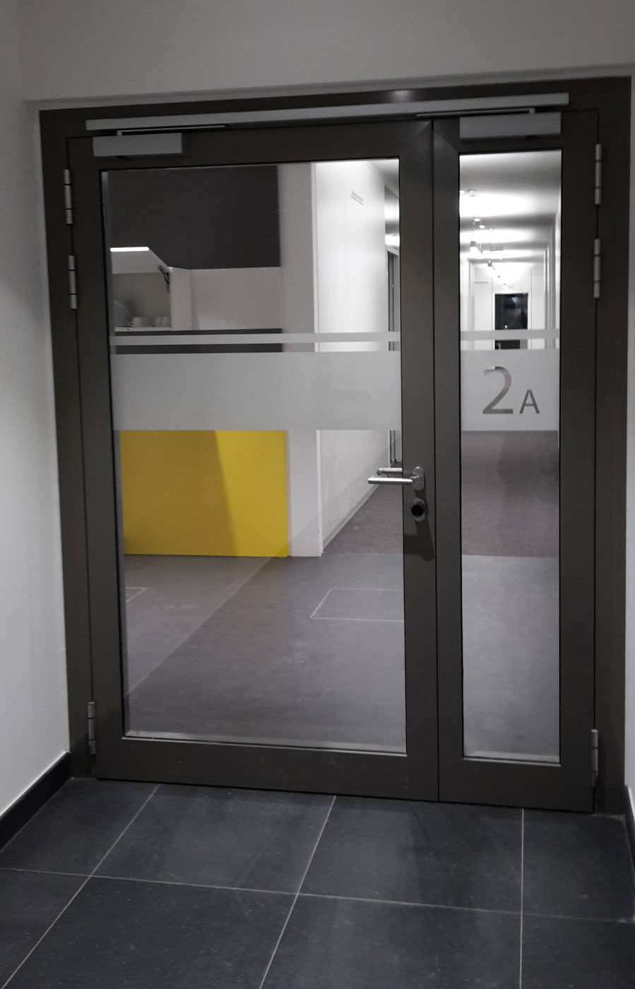 Glasdekor--Durchlaufschutz--Folie_s.jpg