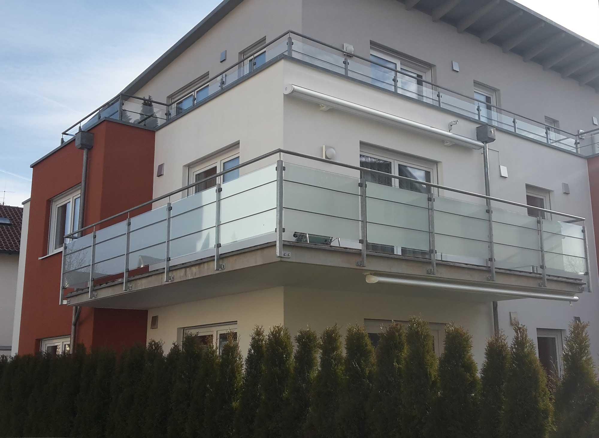 Glasdekor--Sichtschutz--folie-Balkon-1_s.jpg